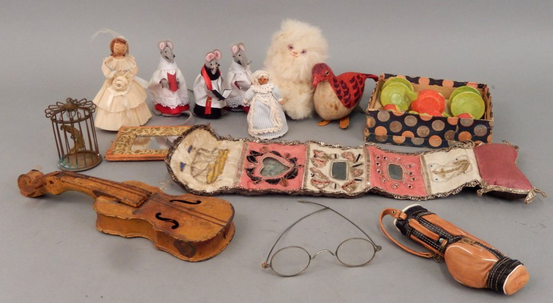 Grouping of vintage doll accessories
