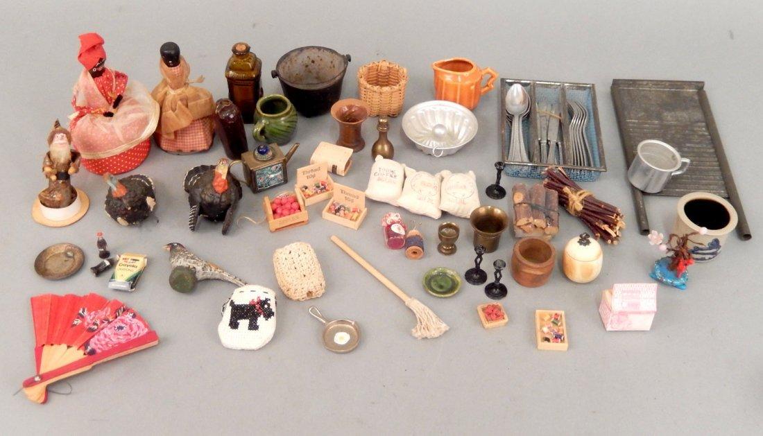 Assorted vintage miniature pieces