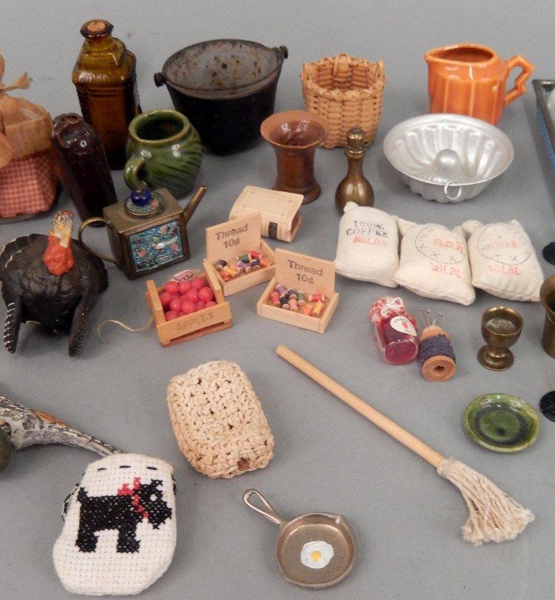 Assorted vintage miniature pieces - 3