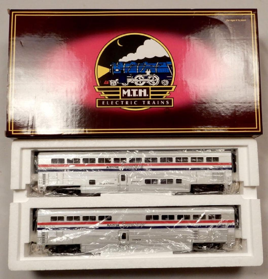 MTH Scale Amtrak Superliner Sleeper/Diner set in box
