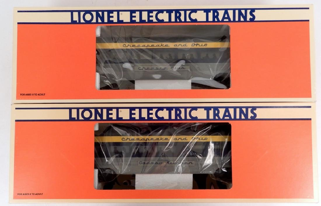 Lionel Chesapeake & Ohio 2-pack Aluminum trains cars
