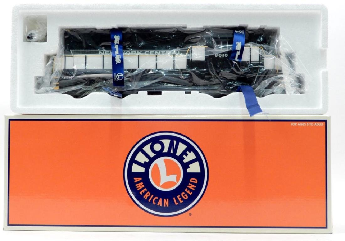 Lionel RS-11 NYC Command in original box