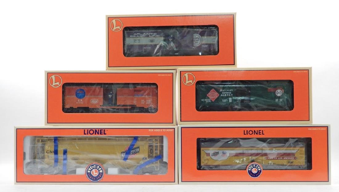 Five Lionel Chicagoland Railroad Club Cars in boxes