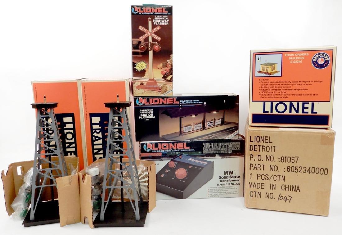 Six Lionel accessories in original boxes