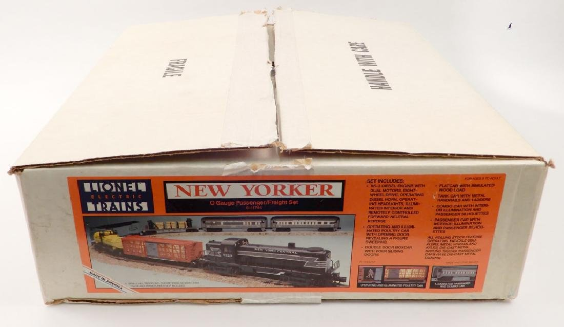 Lionel New Yorker O gauge Passenger/freight set in box