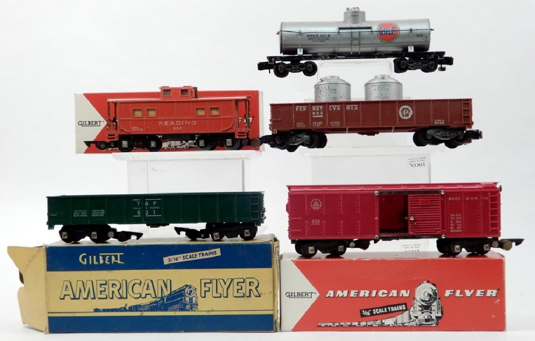 Five American Flyer S gauge freight cars