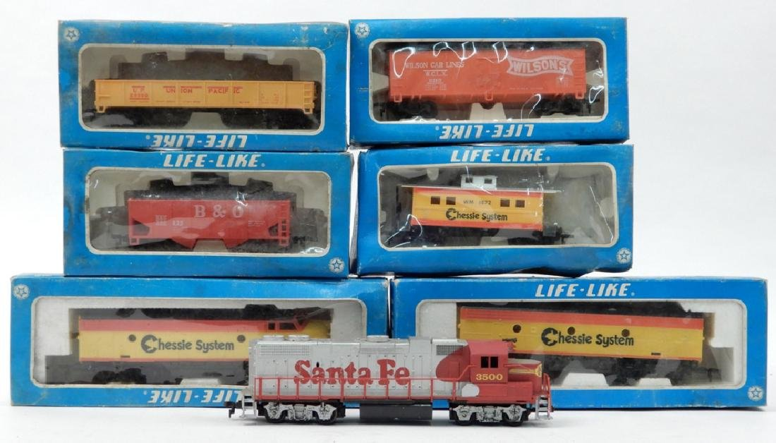 Life Like HO scale trains in boxes