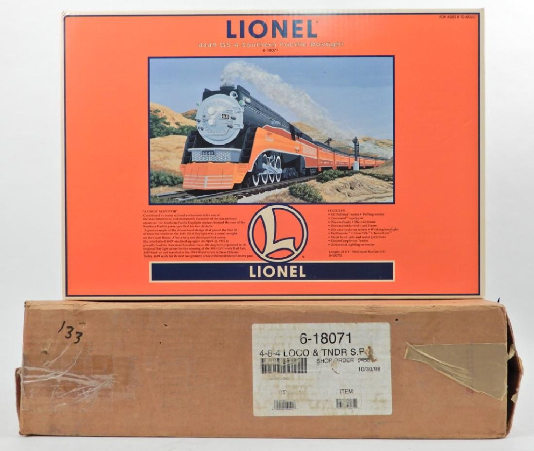 Lionel 4449 GS-4 Southern Pacific Daylight in box