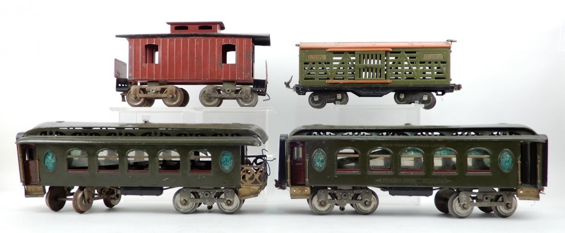 Four Lionel prewar standard gauge train cars