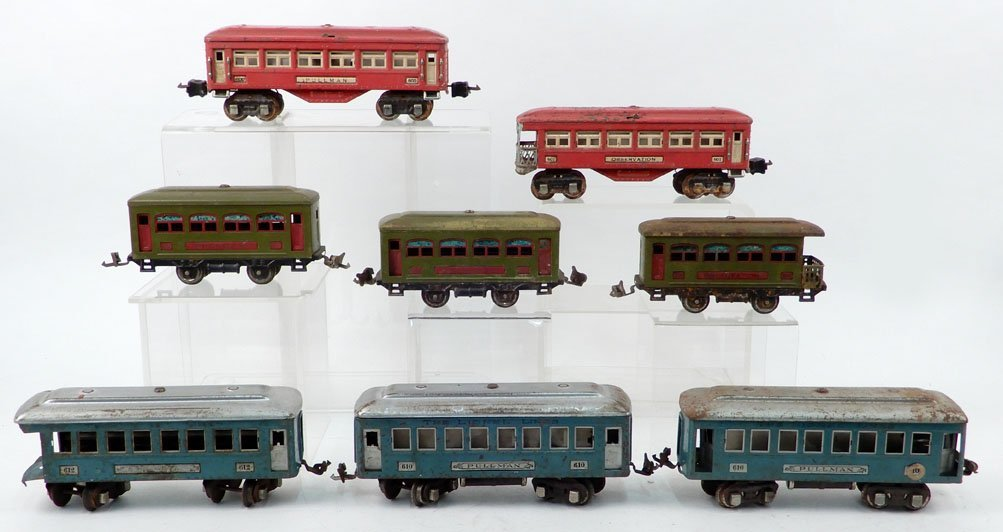 Grouping of Lionel prewar O gauge passenger cars