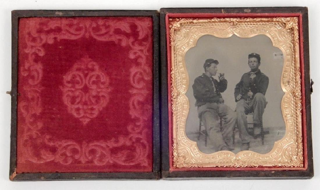 Civil War era daguerreotype of two soldiers