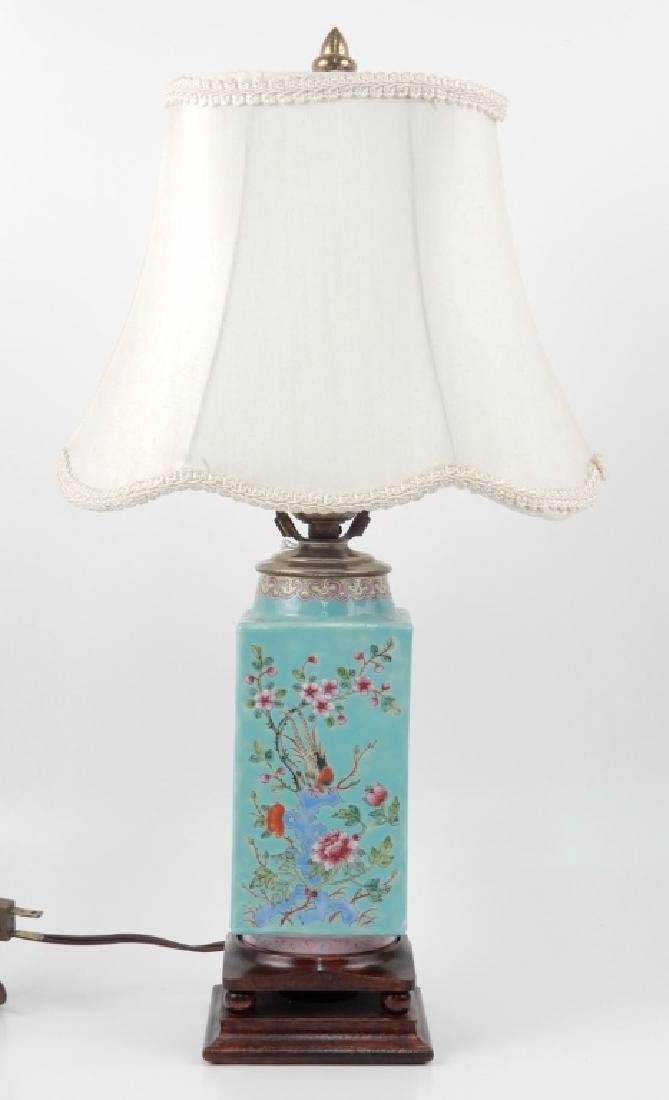 Chinese Export porcelain dresser lamp