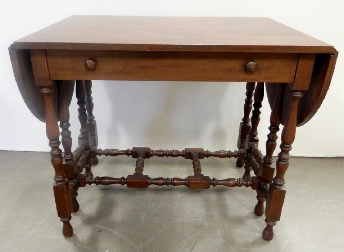 Kittinger Buffalo mahogany gateleg serving table