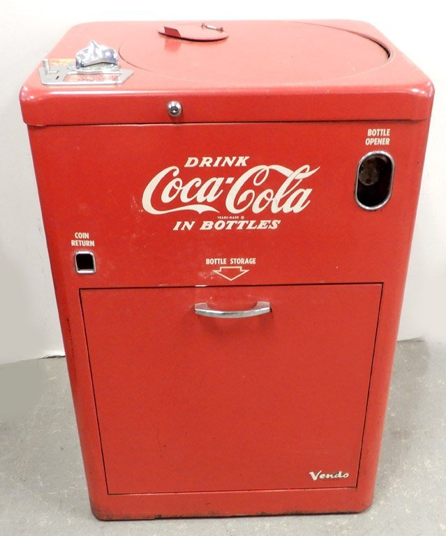 Coca-Cola Vendo 23 Spin Top vending machine, with key,