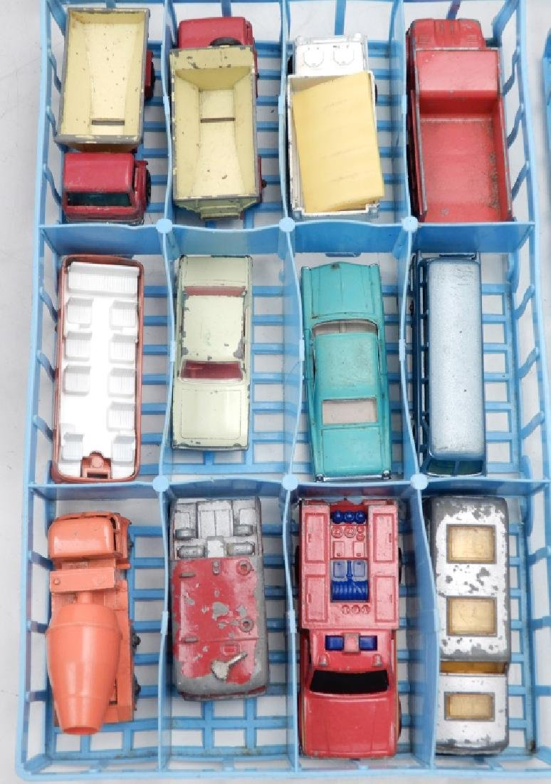 Matchbox Lesney Collector's Case with cars - 2