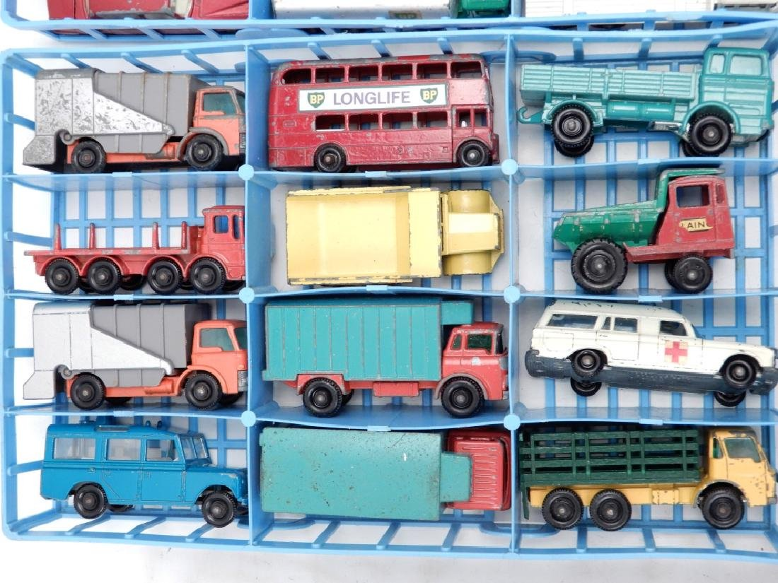 Matchbox Lesney Collector's Case with cars - 3
