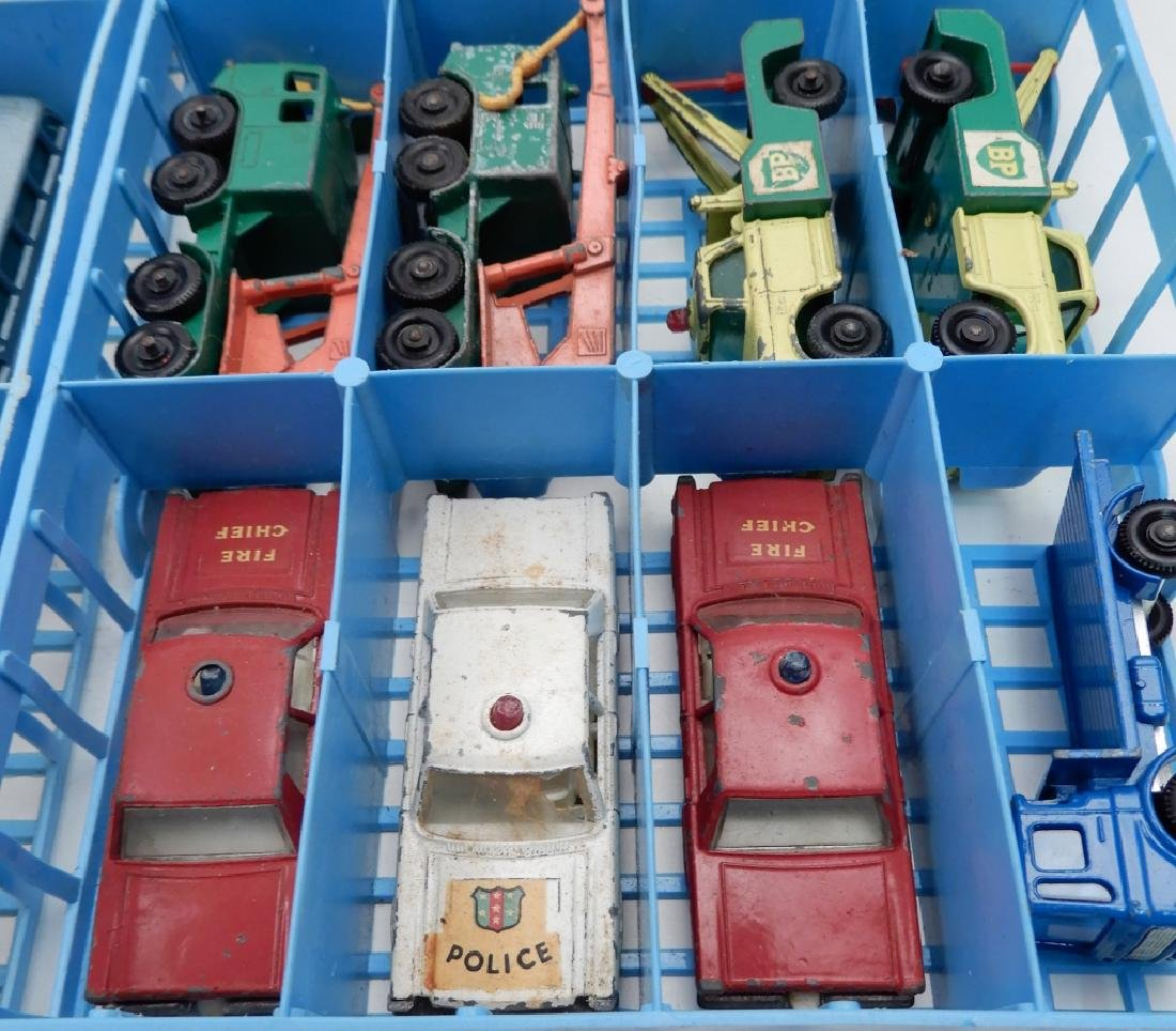 Matchbox Lesney Collector's Case with cars - 5