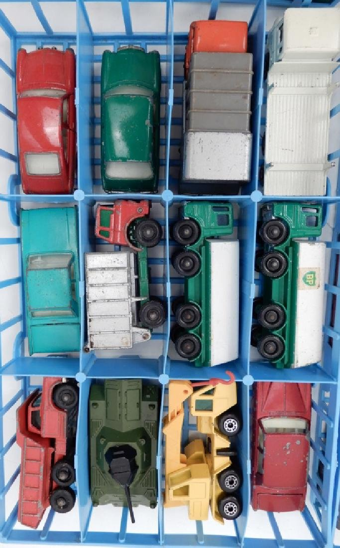 Matchbox Lesney Collector's Case with cars - 6