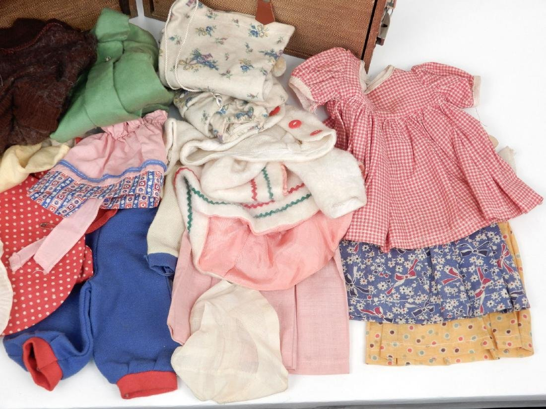 Vintage 1940's doll travel trunk with early clothes - 2