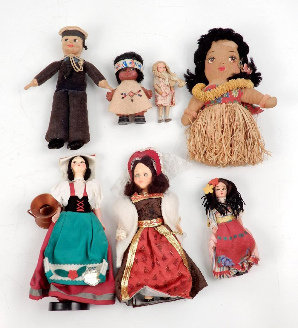 Grouping of vintage dolls