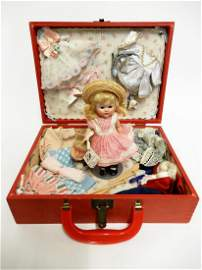Vogue Ginny near mint 1952 Rich Uncle special trunk set