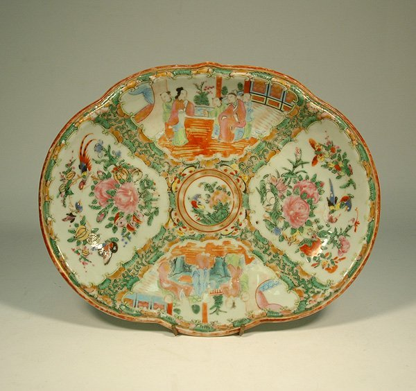 12: Chinese Export Rose Medallion oval bowl, scalloped