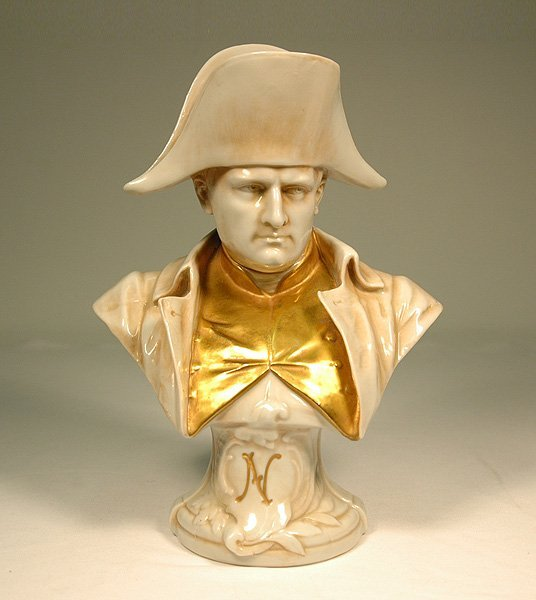 22: Porcelain bust of Napoleon, gilt decorated, unknown