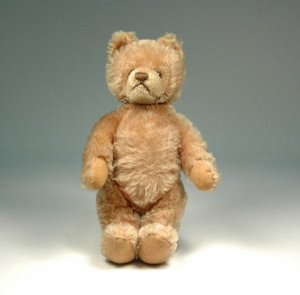 """14: Steiff beige bear, 9 1/2"""",  jointed neck, arms and"""
