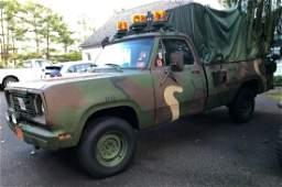 1977 M882 Military Dodge Radio pick-up (Military W-200)