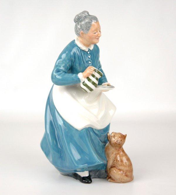 "8: Royal Doulton figurine ""The Favourite"" HN 2249, appr"