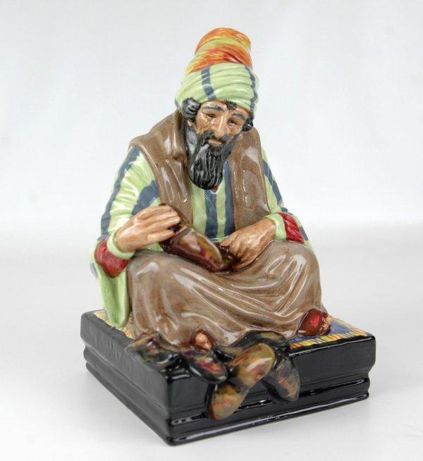 "24: Royal Doulton figurine ""Cobbler"" HN 1706, approxima"