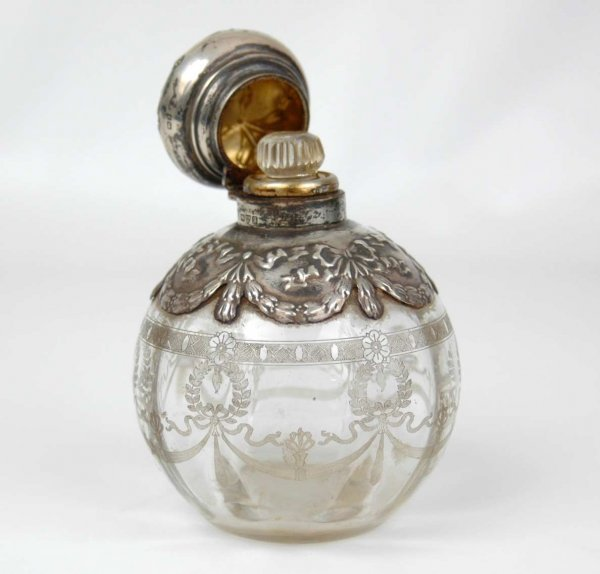 123: Sterling and etched glass perfume bottle, English