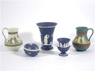 Five pieces of Wedgwood jasperware in various colors