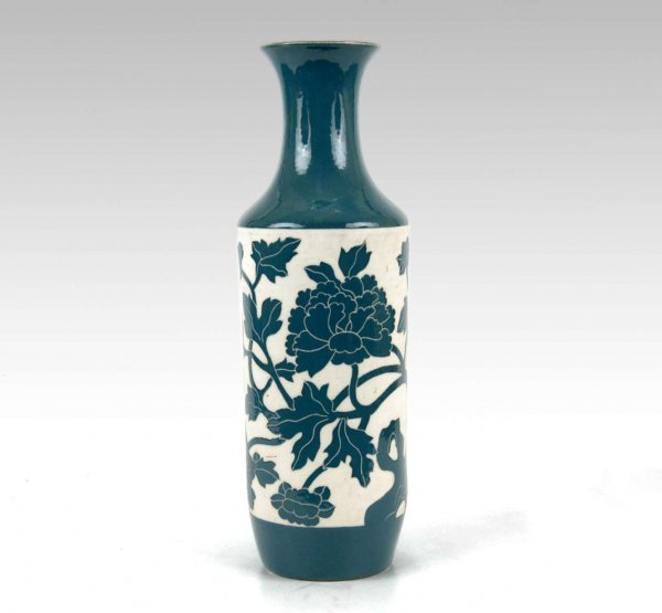 15: Chinese stoneware vase, green glaze banding on top