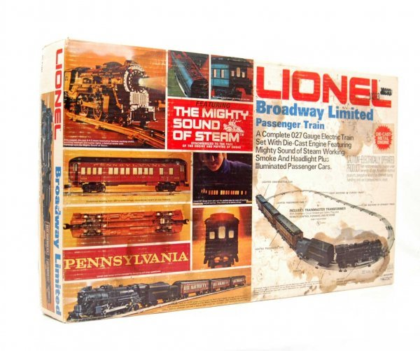 5: Lionel Broadway Limited passenger train, Pennsylvani