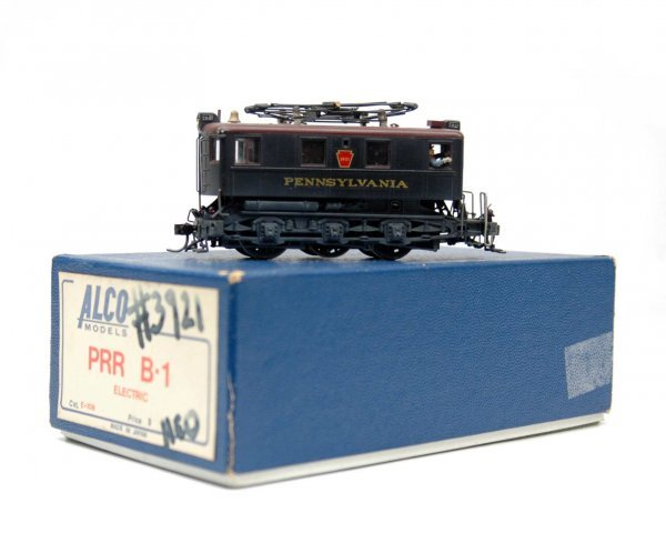 9: Brass PRR B-1 engine with original fitted box, made