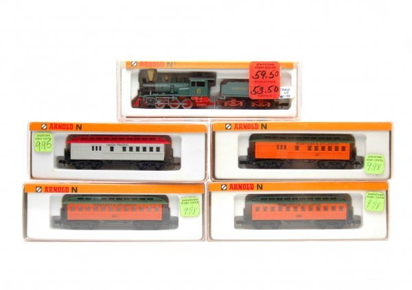 24: N gauge engine with tender and four cars by Arnold