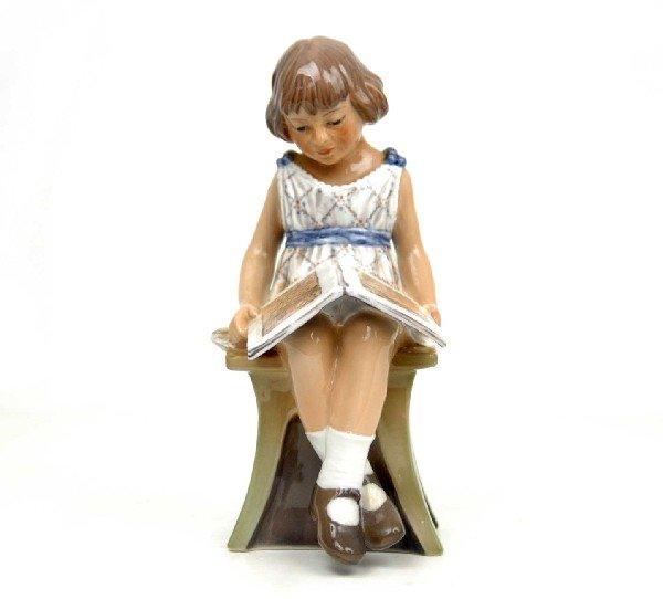 """16: Dahl Jensen figurine """"Girl with Book"""", marked on bo"""