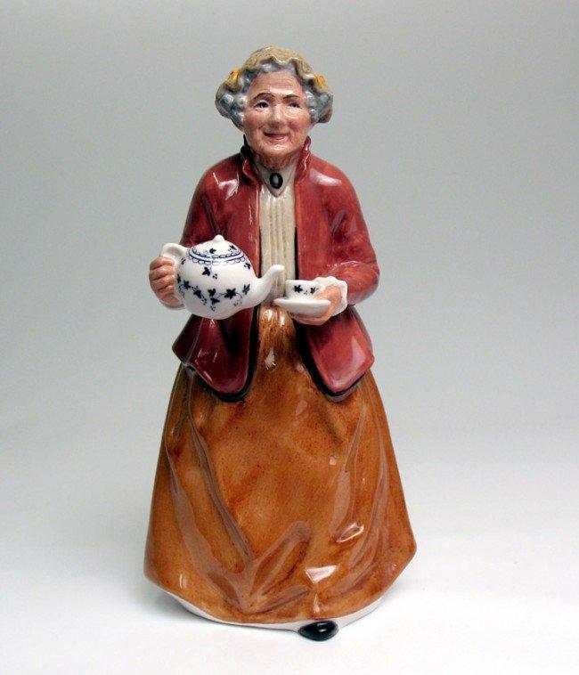 "16: Royal Doulton figurine ""Teatime"" H.N. 2255, marked"