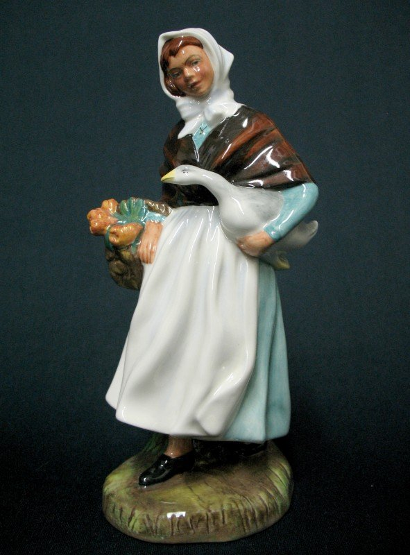 """19: Royal Doulton figurine """"Country Lass"""" H.N. 1991, ma"""