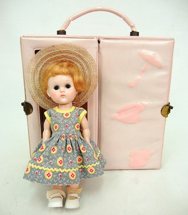 """612: Ginny Walker doll, 7"""", with case and additional cl"""