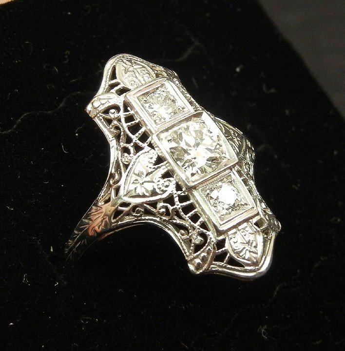 198: Art Deco white gold filigree diamond ring, 18k whi