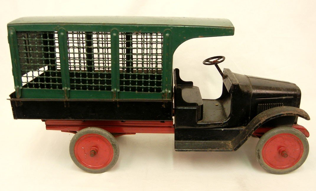 64: Buddy L Railway Express truck, pressed steel, black