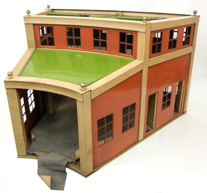 74: Original Lionel pre-war No. 444 Round House section