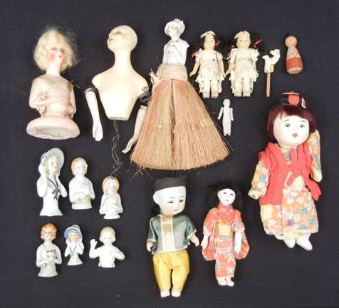 13B: Grouping of seventeen miscellaneous dolls,