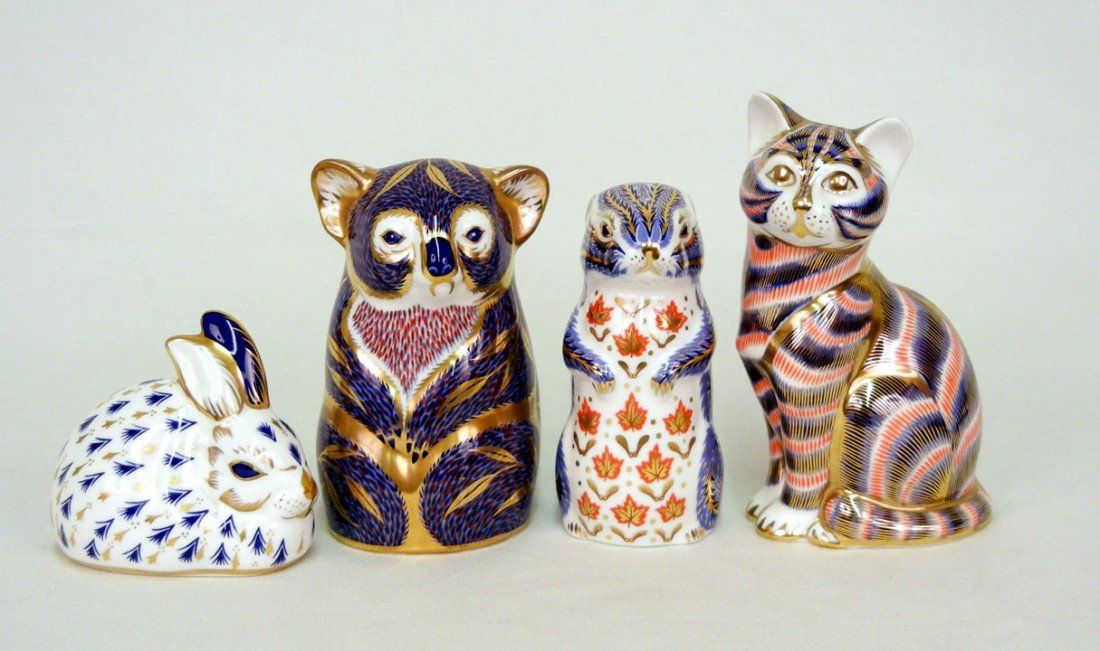 20: Four Royal Crown Derby Imari figurines, koala 4 1/2
