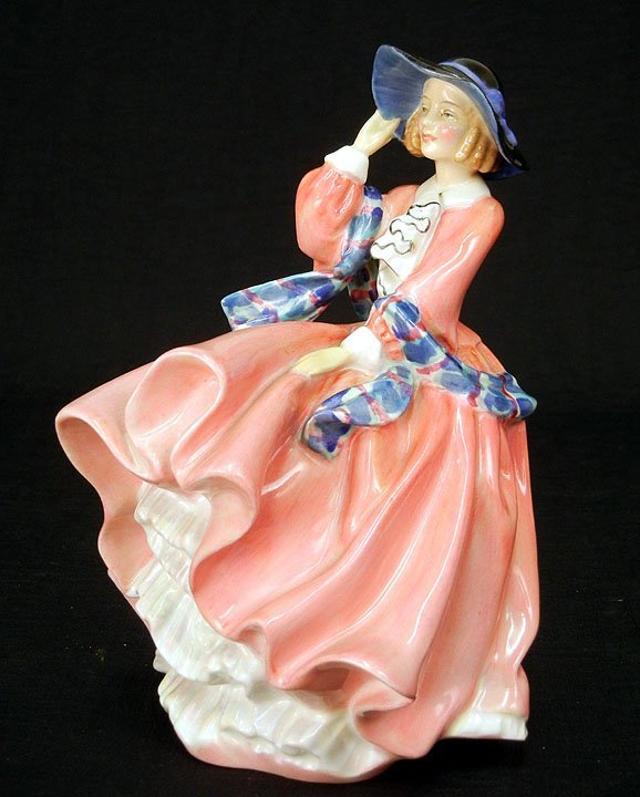 "18: Royal Doulton figurine, ""Top O' the Hill"" RD No. 82"