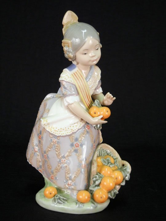 "62: Lladro figure ""Miss Valencia"", 7 1/2"", marked on bo"