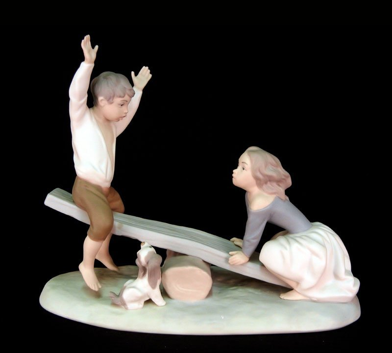 "70: Lladro figure ""Seesaw"" # 4867, matte finish, 7 3/4"""