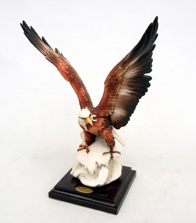 83: Giuseppe Armani Eagle on Snow figurine, signed and